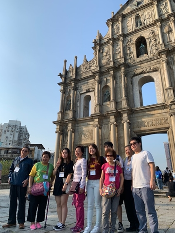 CEO Macau Trip - Volunteer & elderly